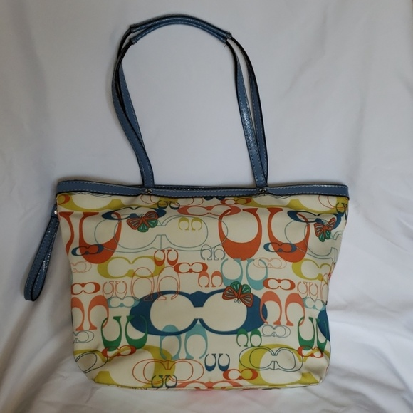Coach Handbags - Coach Optic Signature Butterfly Tote F17422